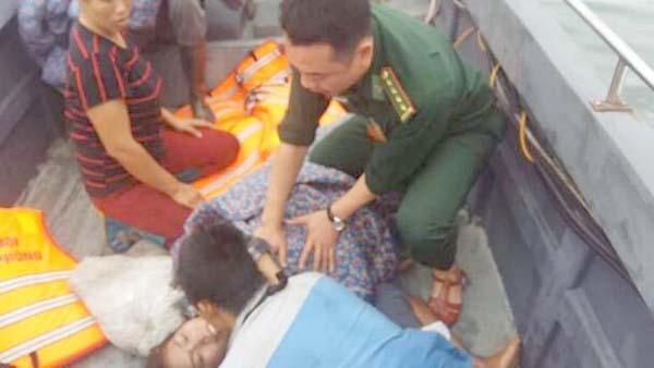 Dam tau o Quang Ninh - Vỡ vỏ tàu, gia đình 4 ngư dân gặp nạn