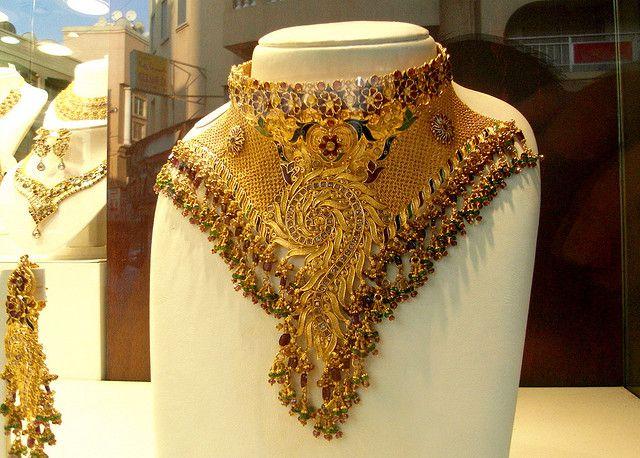 07132c98459583f5389fba880d4d2072--gold-jewellery-bridal-jewelry