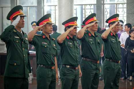 Trực tiếp: Bắt đầu lễ truy điệu 3 phi công hi sinh - ảnh 11