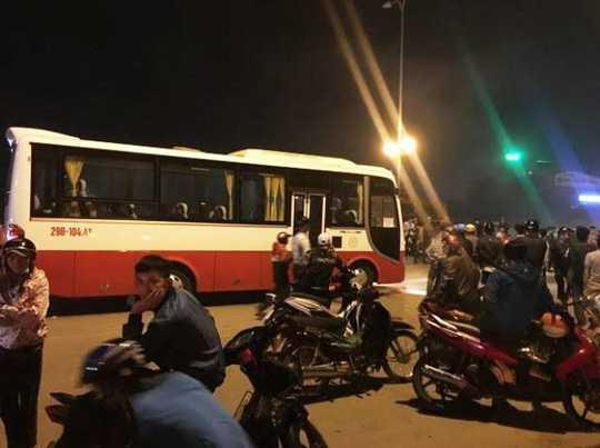 Hiện trường xảy ra vụ tai nạn khiến người đàn ông bị xe khách tông chết