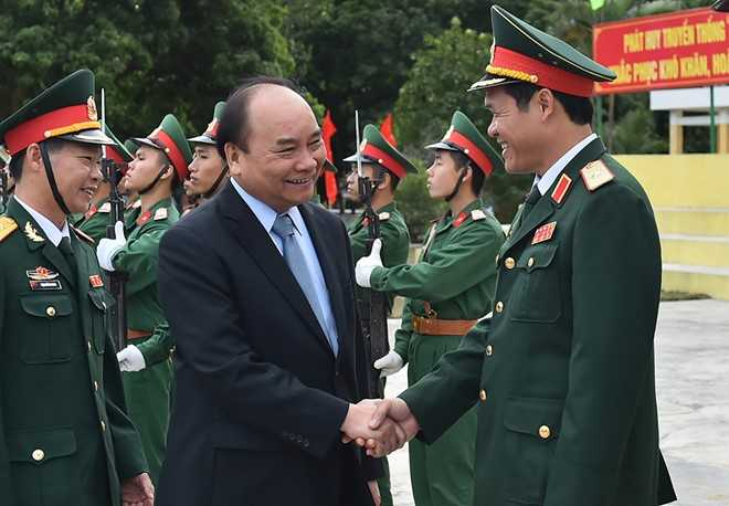Thu tuong tham Lu doan bao ve tuyen dao Dong Bac To quoc hinh anh 1