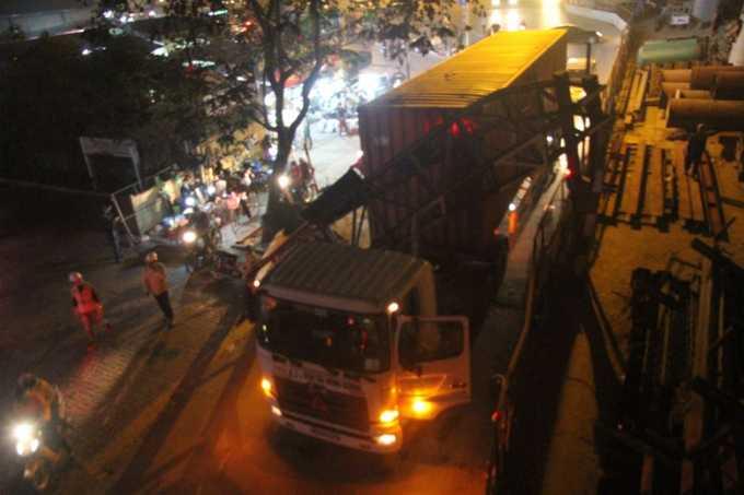 Vụ việc xảy ra trên đuờng Xuân Thủy (Hà Nội) trước chợ đêm sinh viên.
