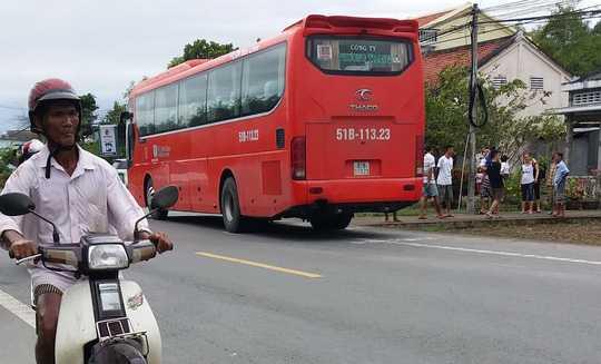 Xe Phương Trang cán tử vong 2 người đàn ông đi trên xe máy
