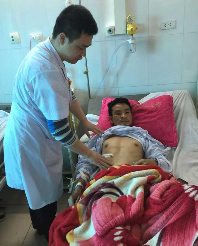 Anh Sơn đang được điều trị tại bệnh viện.
