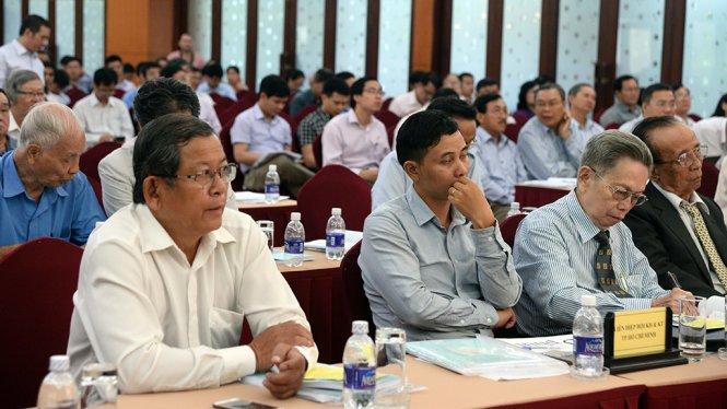 Đại biểu tham dự hội thảo khoa học