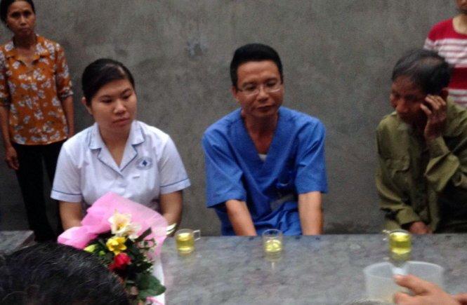 Đại diện người dân Đồng Tâm chia set với bệnh viện Việt Đức: Cảm ơn bệnh viện đã đưa cụ về nhà an toàn