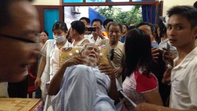 Cụ Kình đã về làng - Ảnh: Nguyễn Khánh