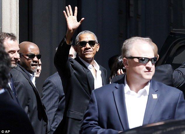 Obama xuat hien day phong cach o kinh do thoi trang Milan hinh anh 7