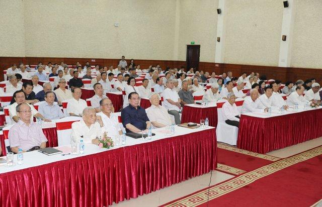 Tổng Bí thư Nguyễn Phú Trọng, các đồng chí lãnh đạo và nguyên lãnh đạo Đảng, Nhà nước dự Hội nghị. Ảnh : Trí Dũng – TTXVN