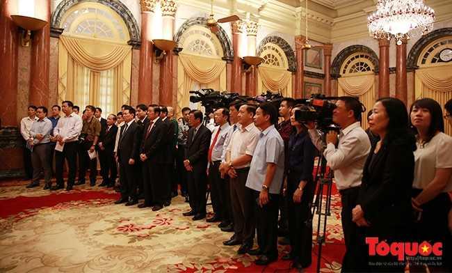 Chủ tịch nước Trần Đại Quang ra mắt báo giới - ảnh 2