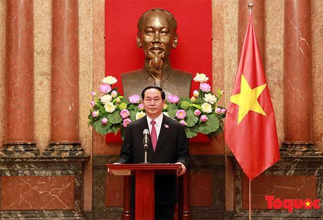 Chủ tịch nước Trần Đại Quang ra mắt báo giới - ảnh 1
