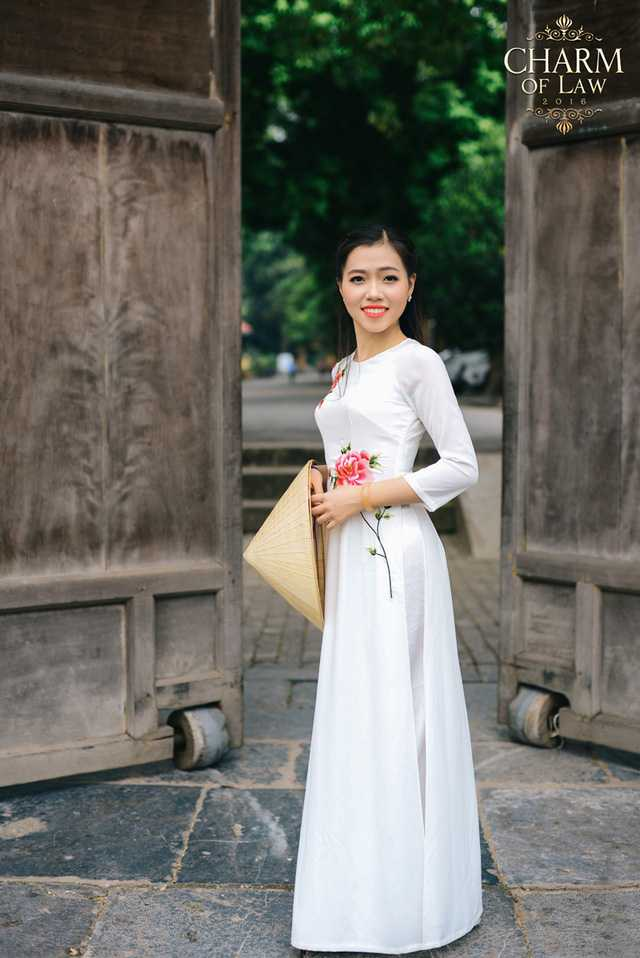 Lý Vương Thảo (sinh năm 1997, chiều cao 1m59, cân nặng 50 kg)