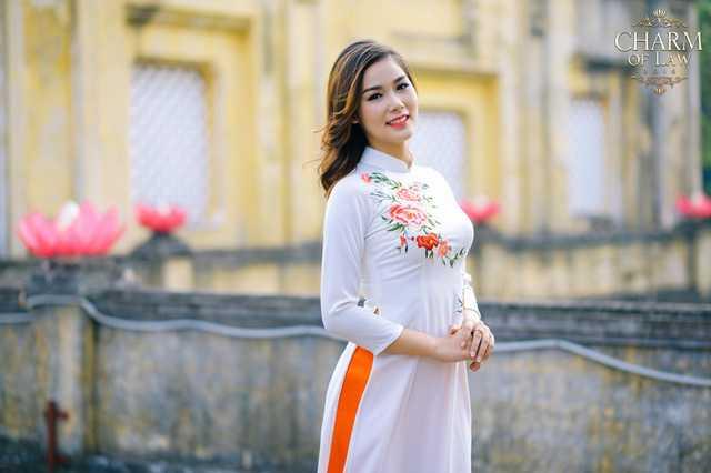 Nguyễn Thị Thùy Linh (sinh năm 1995, chiều cao 1m65, cân nặng 53 kg)