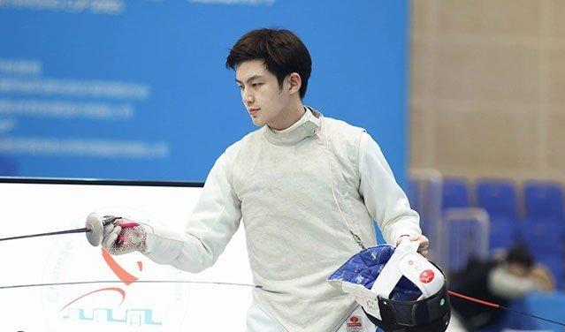 Anh chang cao 1,92 m duoc menh danh 'nam than dau kiem' Trung Quoc hinh anh 1
