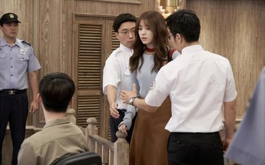 w-lee-jong-suk-han-hyo-joo-2