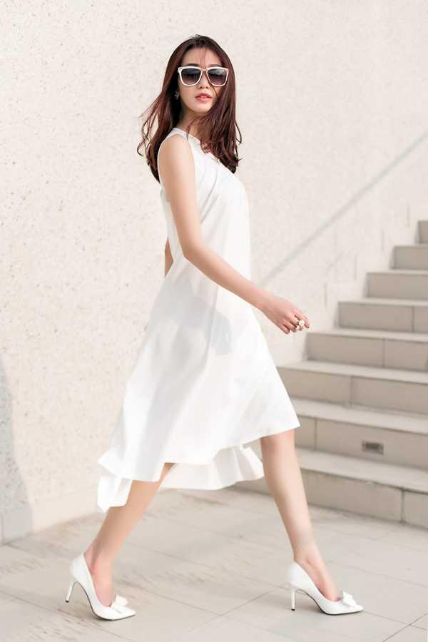 Những chất liệu mỏng, nhẹ được nữ người mẫu đặc biệt yêu thích vì mang đến sự thoải mái, thanh tao cho người mặc.
