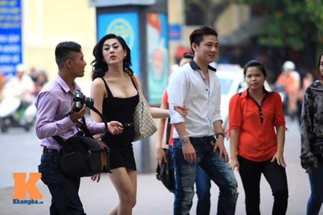 Trong quá khứ, khi đi chơi cùng bạn trai cũ, Lâm Chi Khanh cũng rất táo bạo diện váy sexy.