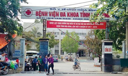 Lo bat thuong trong hop dong thau sua chua may loc than o BV Hoa Binh hinh anh 1