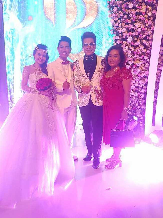 Hoài Linh, Trấn Thành cùng dàn sao Việt hào hứng tụ hội tại đám cưới khủng - Ảnh 1.