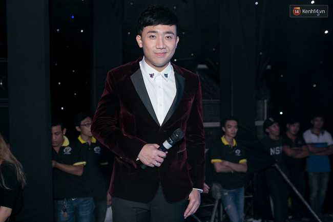 Hoài Linh, Trấn Thành cùng dàn sao Việt hào hứng tụ hội tại đám cưới khủng - Ảnh 4.
