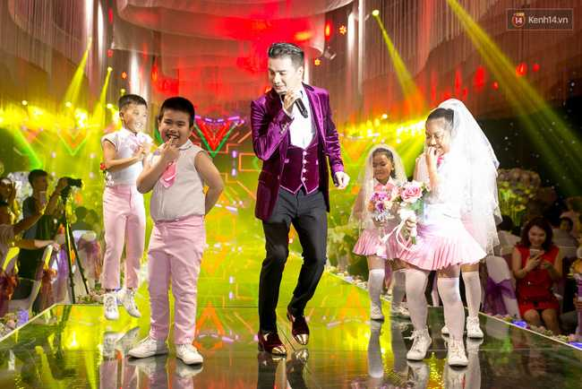 Hoài Linh, Trấn Thành cùng dàn sao Việt hào hứng tụ hội tại đám cưới khủng - Ảnh 9.