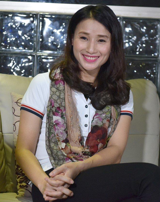 Nha bao Le Binh: 'Toi chua bao gio doa dam, xin tien doanh nghiep nao' hinh anh 4