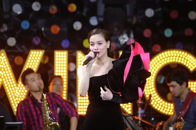 Ho Ngoc Ha: 'Toi khong lam dieu gi khong hay nhu ngoai kia dang noi' hinh anh 1