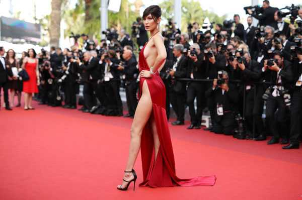 Bella Hadid nóng bỏng trên thảm đỏ Cannes vào tháng trước.