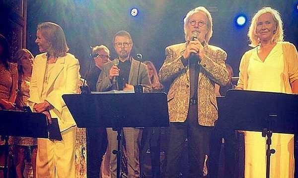 ABBA trong ngày hội ngộ hôm 5/6 (từ trái qua phải): Anni-Frid, Bjorn, Benny và Agnetha.
