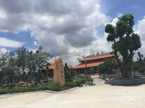 Choáng với nhà thờ Tổ 100 tỷ đã xây xong của Hoài Linh - 4