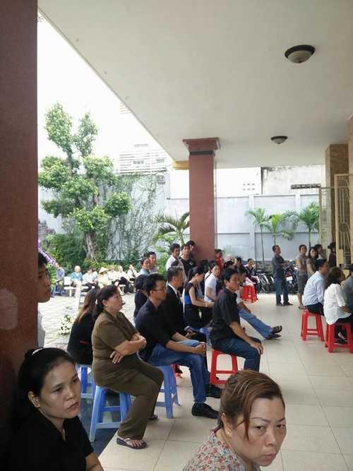 Bất ngờ cả nghìn người xuống đường tiễn biệt Minh Thuận - 4