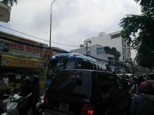 Bất ngờ cả nghìn người xuống đường tiễn biệt Minh Thuận - 8