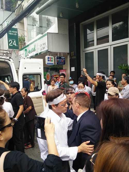 Bất ngờ cả nghìn người xuống đường tiễn biệt Minh Thuận - 6