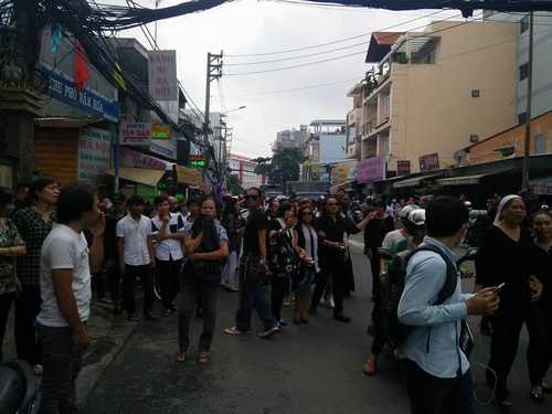 Bất ngờ cả nghìn người xuống đường tiễn biệt Minh Thuận - 7
