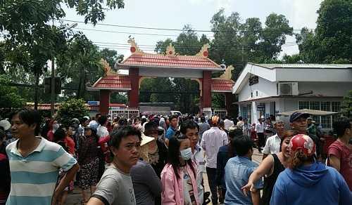 Bất ngờ cả nghìn người xuống đường tiễn biệt Minh Thuận - 16