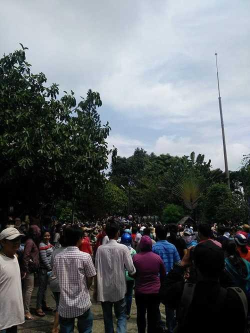 Bất ngờ cả nghìn người xuống đường tiễn biệt Minh Thuận - 17