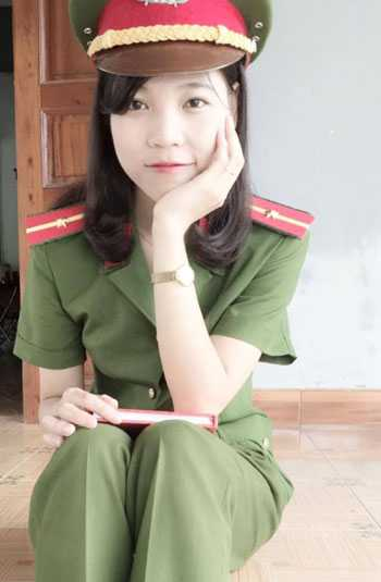 Nguyễn Thị Nga, thủ khoa kép được vượt cấp thăng hàm thiếu úy của Cao đẳng Cảnh sát nhân dân I. Ảnh: NVCC.