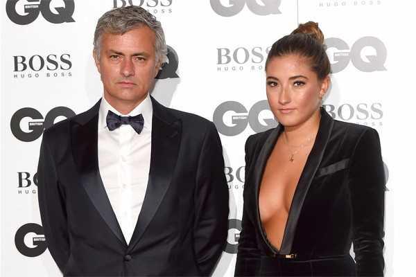 Mourinho cau co thap tung con gai di mua do nu trang hinh anh 6