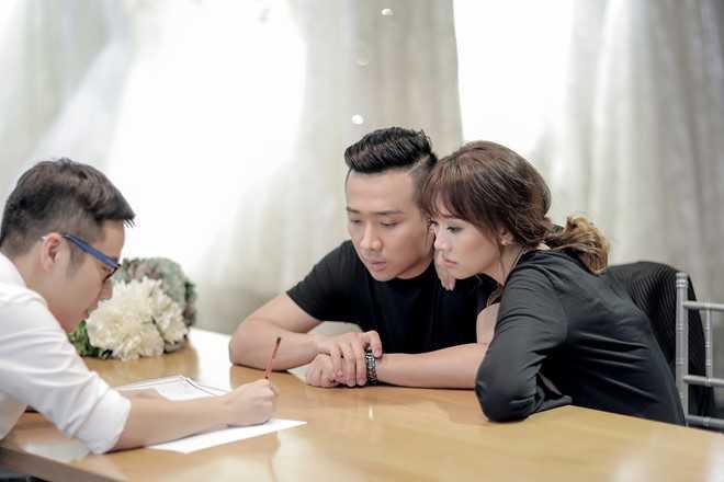 Tran Thanh dat rieng hai mau vay cuoi cau ky cho Hari Won hinh anh 5