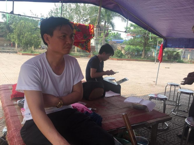 Hinh anh Sang nay 21/4, ong Nguyen Duc Chung ve Dong Tam doi thoai voi dan 3