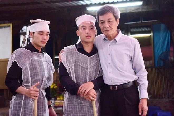 Hinh anh Dien vien Thu Ha, Tran Luc tien dua nghe si Hoang Thang 11