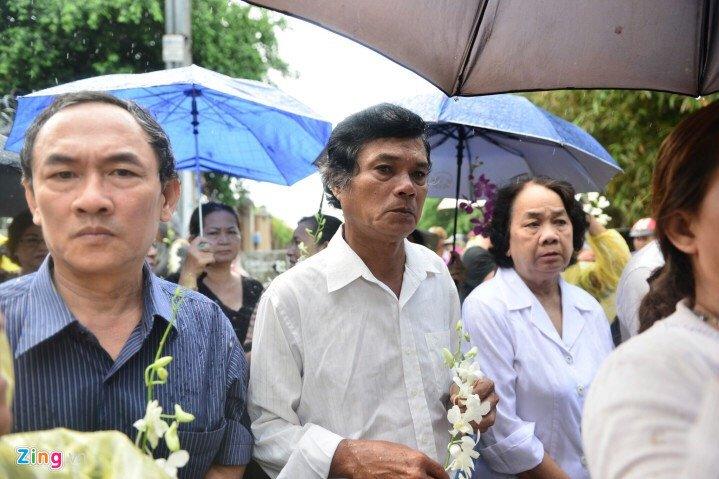 Hinh anh Vo con khoc nuc no trong giay phut tien biet nghe si Thanh Sang - Sao Viet 11
