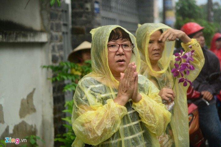 Hinh anh Vo con khoc nuc no trong giay phut tien biet nghe si Thanh Sang - Sao Viet 16