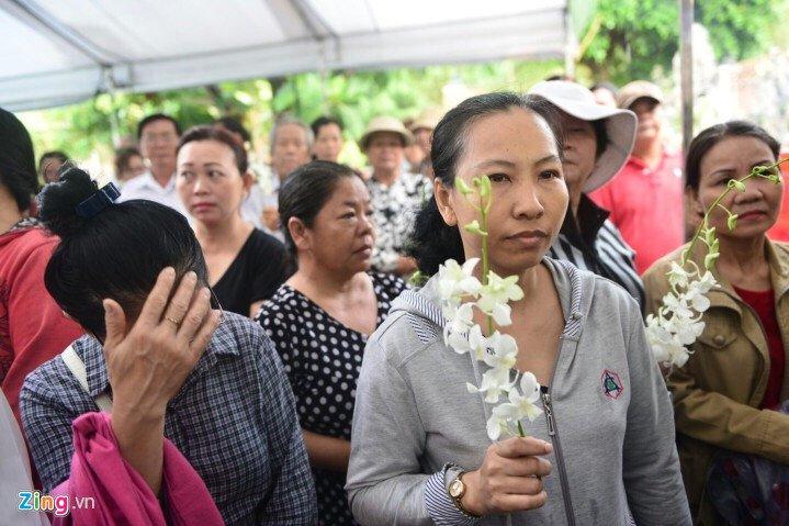 Hinh anh Vo con khoc nuc no trong giay phut tien biet nghe si Thanh Sang - Sao Viet 9