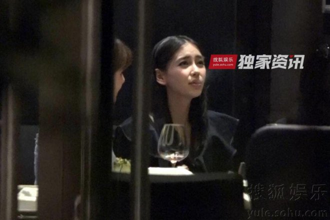 Angelababy bi chi trich vi hut thuoc du moi sinh con hinh anh 2