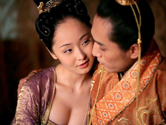 """Cảnh phim từng bị coi là """"nóng"""" nhất thế giới điện ảnh Trương Nghệ Mưu - 2"""