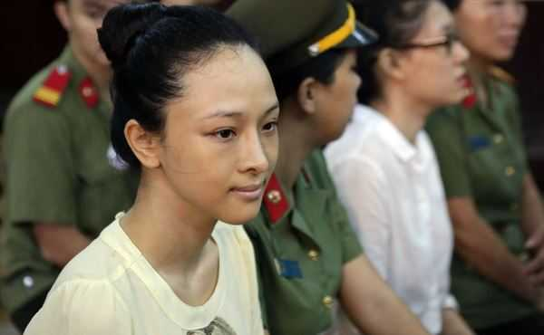 Vụ hoa hậu Trương Hồ Phương Nga: Ông Mỹ sẵn sàng bãi nại nếu Nga trả tiền
