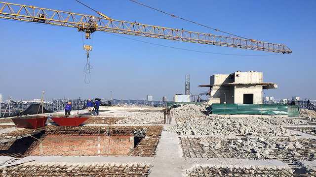Đơn vị thi công cắt ngọn vừa có công văn đề nghị dừng thi công phá dỡ giai đoạn 2 tại toà nhà 8B Lê Trực.