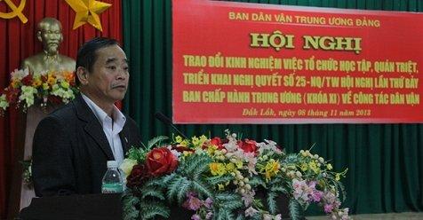 Hinh anh Nguyen Uy vien Ban thuong vu Tinh uy co con rieng voi chu nha hang