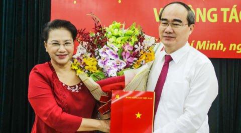 Hinh anh Chuyen gia 'chi diem' 6 thach thuc lon cua tan Bi thu Nguyen Thien Nhan